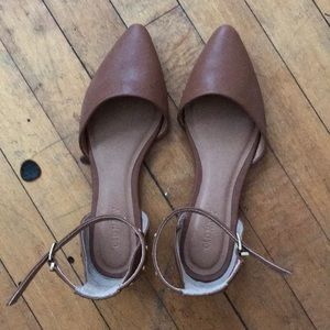 Only worn once, almost new cognac flats